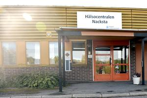 Nacksta hälsocentral hotas av nedläggning samtidigt som man enligt samma förslag vill göra hälsocentralerna i Stöde och Liden till filialer.