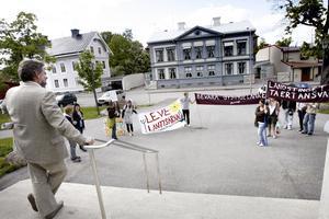 Protesterade förgäves. Bilden är från 2007 då elever från Färnebo folkhögskola protesterade mot landstingets motvilja att bidra till Gysingelänken.