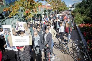 Hundratals Söderhamnsbor i sorgemanifestation på fredagen.