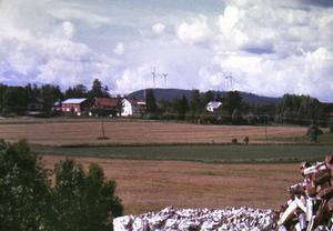 Eolus Vind AB har gjort ett fotomontage hur det kan se ut med fyra vindsnurror på Brännåsen norr om Älgered/Bergsjö.