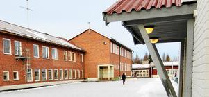 Frostviksskolan i Gäddede blir för dyr att bygga om och den utredningen läggs åt sidan.