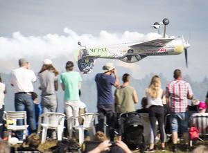 Jurgis Kairys, världsmästaren i konstflyg med sin Su-31. Publikfavorit. Foto: Mikael Forslund.