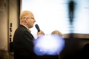Mikael Westin, kommunalråd (C), pekade på det hans högerledning åstadkommit och menade visst att hans allians hade definierade mål och visioner i sin budget.