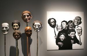 Arne Högsander skapade maskerna som Allan Edwall använde i sin uppsättning av