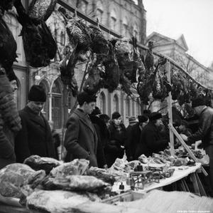 Från 1930-talet. Försäljningen såg lite annorlunda ut under de tidigare upplagorna av Hindersmässan. (Bild: Örebro stadsarkiv)