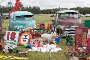 Här går det att fynda bland gamla leksaksbilar, cyklar och reservdelar.