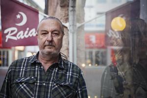 Bengt Berg är ledsen över att behöva stänga igen butiken. – Jag vet inte om jag orkar hålla på.