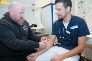 Södertörn hälso- och sjukvård har drop in-tider för TBE-vaccinationer och resevaccin på beställning.