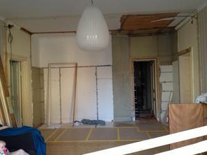 Vardagsrummet före renoveringen, efter att väggen tagits nedFoto: Privat