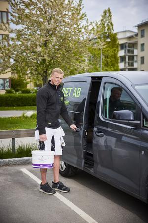 Den minsta transportbil som Möller säljer är Volkswagen Caddy, en bil som passar Niklas perfekt.