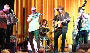Bandet Hälsingefyr stod för en del av underhållningen. Fotograf: Joacim Nilsson
