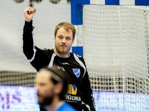 Håvard Åsheim hade en tuff första halvlek i tredje semifinalen. När han fick chansen igen i slutet av andra halvlek spikade han dock igen. Foto: Adam Ihse