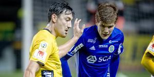 Varken Ishizaki eller Berg spelar från start, Elfsborgsprofilen är skadad och Giffarnas norrman startar på bänken. Bild: Adam Ihse/TT