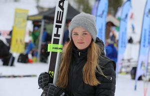 Tilde Tjärnås, Vemdalens IF, hade en bra helg i hemmabackarna trots att det var lite stolpe ut för henne. En andraplats i super-g och två lagsilver fyllde på prisskåpet hos den talangfulla vemdalstjejen.