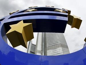 Valuta i blåsväder. EU-kommissionen kräver mer makt och hårdare straff för budgetsyndare för att rädda euron.foto: scanpix