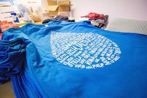 På tröjorna är namn på barn som drabbats av diabetes typ 1 tryckta.