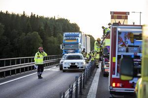 Flera personer skadades i samband med en kökrock på E4 i höjd med Sundsvall-Timrå Airport.