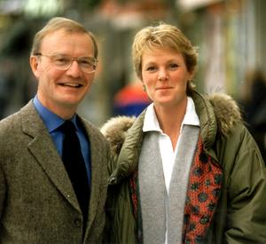 Birgitta Ekblad med Olle Stenholm på en bild från 2001 i samband med att  programmet