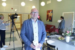 Patrik Engström är stolt över regeringsbudgeten, som bland annat ger miljoner till länets kommuner i extra generella statsbidrag.