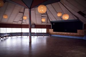 Det var väldigt viktigt att dansgolven var bonade och tipp topp underhållna, berättar Håkan Grundström. Foto: Familjen Grundström