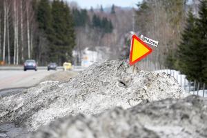 Skadorna längs Trafikverkets vägar är omfattande. Skyltar, räcken och vägbanor har drabbats av den snörika vintern.