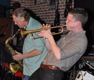 Beat Funktion med Olle Thunström på sax och Karl Olandersson på trumpet.