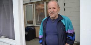 Göran Ljungberg gjorde en snabb insats för att få ut människor ur ett rökfyllt grannhus.