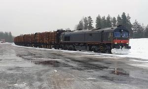 I söndags kom det första timmertåget till Malungsfors, timmer som skulle vidare till sågverket i Fiskarheden.