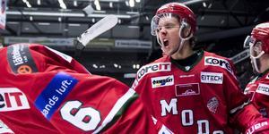 Det blir en till säsong i Modos färger för Berglund. Foto: Erik Mårtensson//TT.