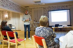 Magnus Brolin presenterade nya rön om hur man bäst bemöter människor som varit med om kriser och trauman.