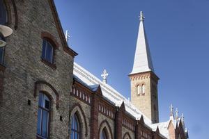 Sjömanskyrkan byggdes 1891 i nygotisk stil efter ritningar av stadsarkitekt E A Hedin.