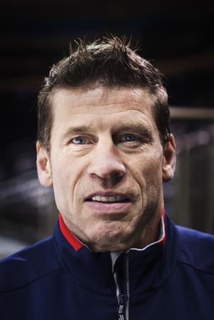 Ulf Samuelsson blev NHL-tränare (assisterande) efter sin spelarkarriär, men gjorde också två säsonger som huvudtränare för Modo 2011-2013. Foto: Bildbyrån