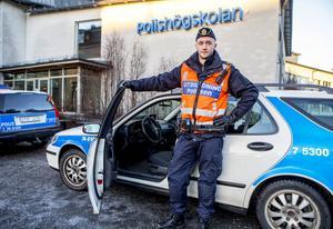 Pontus Sandin är snart färdigutbildad polis och hoppas bli placerad i hemorten Örnsköldsvik.
