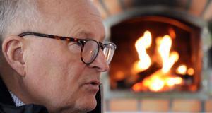 Ånges kommunalråd Sten-Ove Danielsson (S) öppnar för att man politiskt kan komma att försöka elda på i frågan om att få mer jobb och fler arbetstillfällen till Riksarkivet MKC Fränsta.