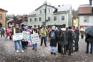 En av Friday for Futures globala strejker på stora torget i Norrtälje.