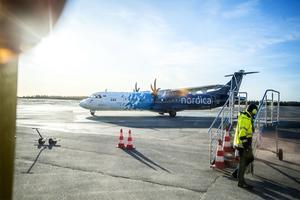 1 februari kastar SAS in handduken och lämnar Örnsköldsvik. Dagen efter börjar både BRA Flyg och Air Leap flyga till Stockholm. BRA till Bromma och Air Leap till Arlanda.