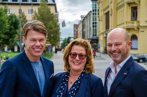 Birka Cruises marknadschef Marcus Hammarström (höger)med Maria Åslin och tidigare landslagsåkaren Mathias Fredriksson.