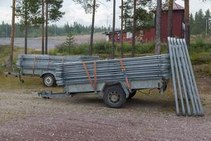 Det finns grindar förberett för att göra tillfälliga inhägnader där djuren kan samlas upp innan transport.