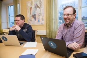 Leif Pettersson (S) och Håge Persson (M) är mer än nöjda. Ludvika gick plus förra året. Till och med mer plus än budgeterat, uppger de.