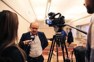 Åklagare Christer Sammens anser att brottet som den tilltalade politikern har erkänt ska bedömas som grovt.