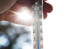 """Debattörerna skriver att """"de senaste fem åren har varit de varmaste som uppmätts i världen och att 2010–2019 är det varmaste årtionde som uppmätts"""". Foto: Erik Johansen/TT"""