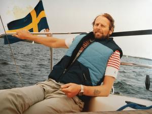 Rudolf Lundin gillar att segla. Här en bild från när han var yngre. Foto: Privat