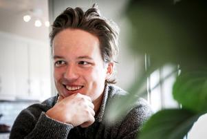 Oscar Berglund står inför sin största dag som travtränare. V75-finalerna på Solvalla med sin egen Hope and Dreams.