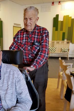 Evert Mattsson i sin volontärtjänst.