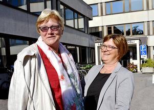 Med stor glädje kan landstingspolitikerna Ewa Back (S) och Elisabet Strömqvist konstatera att man efter fyra år i opposition studsat tillbaka in i maktens korridorer i landstinget.