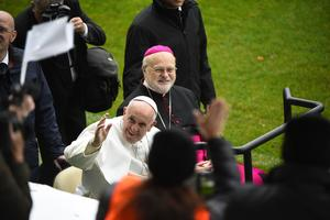 Påve Franciskus och Anders Arborelius under påvens Sverigebesök 2016.