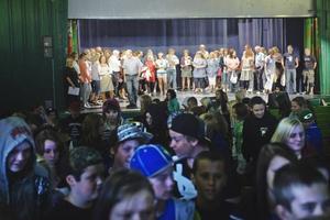 Inte en utan 450. När eleverna vid Petreskolan i Hofors kom tillbaka efter sommarlovet hade de plötsligt fått 100 nya kamrater. Totalt kommer 450 elever att gå i skolan.