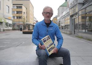 Hans Häglund var en av de drivande krafterna för att ta fram Ludvika Lexikon och bör prisas tillsammans med Lilian Jacobsson, anser en förslagsställare.