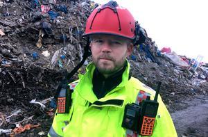 Räddningsledare Björn Svensson berättade att räddningstjänsten höll på att avsluta sitt arbete mot branden vid niotiden på måndagsmorgonen.