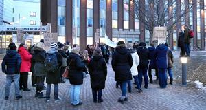 Nynäshamns kommun drog tillbaka ett långt gånget förslag om att upphandla den personliga assistensen, efter protester. Nu är en ny upphandling på gång. Fackförbundet Kommunal är kritiskt.